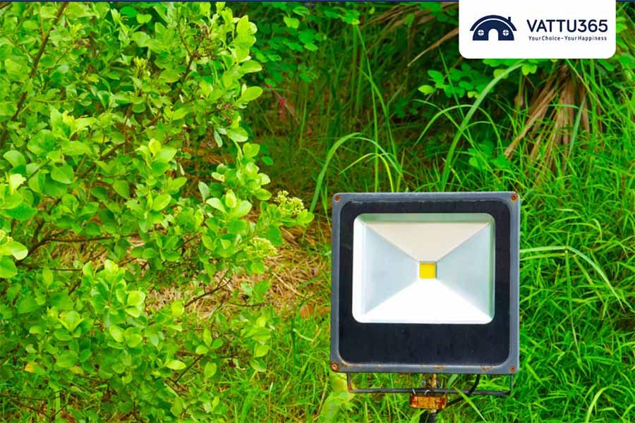 Đèn pha led chiếu sáng đường đi hiệu quả