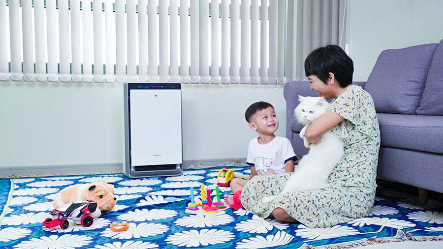 Máy lọc không khí Panasonic giúp lọc sạch không khí phòng khách